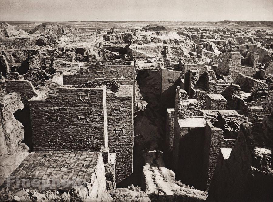 Ištarės vartai tyrimų metu 1925 m. Šaltinis: http://www.ebay.com/itm/1925-Vintage-BABYLON-Ishtar-Gate-Excavation-Architecture-ISRAEL-Palestine-Art-/201302410855