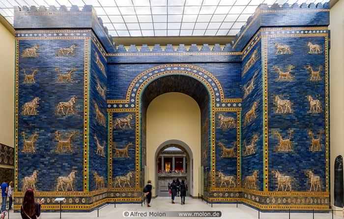 Ištarės vartai Pergamono muziejuje. Šaltinis: http://www.molon.de/galleries/Germany/Berlin/Central/img.php?pic=1