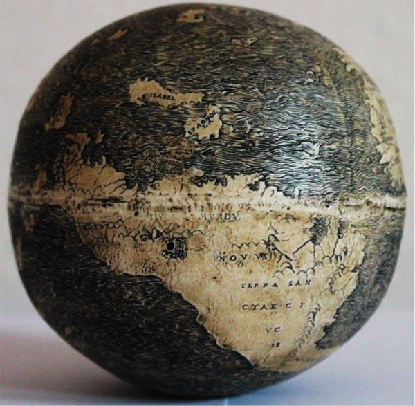 Seniausias išlikęs Amerikos atvaizdavimas gaublyje. Apie 1500 m. Stručio kiaušinis