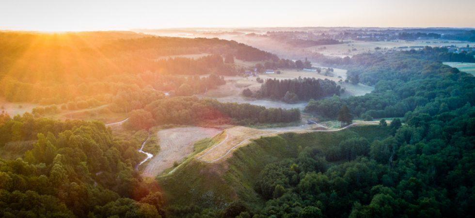 Bradeliškių piliakalnis auštant